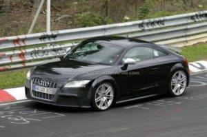 Torsdag er det speederpedalen i den nye Audi TT RS der skal smage kærligheden fra en udjogget Adidas sneaker (foto - csp)