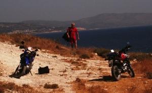Storebror flankeret af de to XT'ere der gav os en feeeed dag på Samos tilbage i 2006