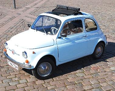 Fiat 500 er en charmetrold - på trods af at den lyder og kører som en plænetraktor på steroider...