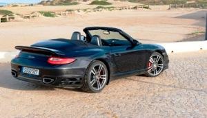 911 Turbo ved Atlanterhavet i Portugal. Lige efter en serie seriøse accelerationstests...