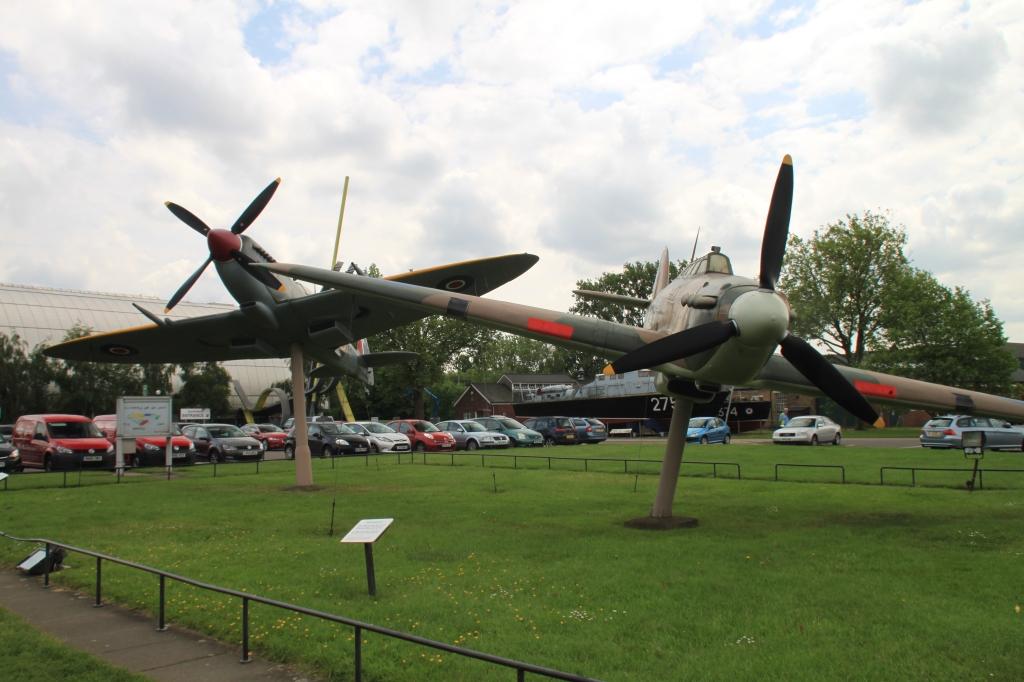 Spitfire og Hurricane i formation