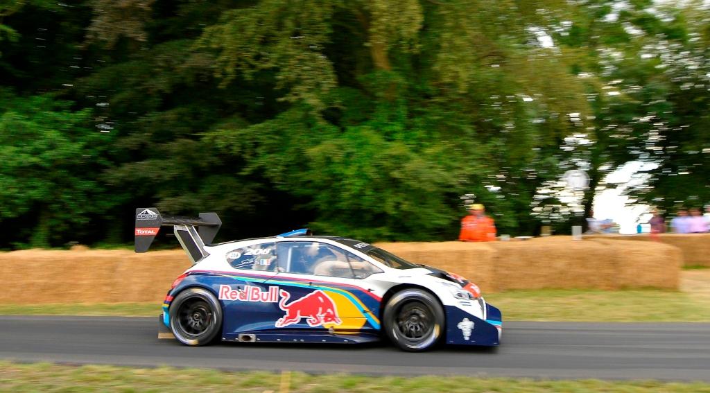 Sebastian Loeb var hurtigste mand oppe af Hill Climb strækningen. 44,6 sek. brugte han i hans Pikes Peak racer fra sidste år. Nummer to blev en Maserati MC12 fra 2004