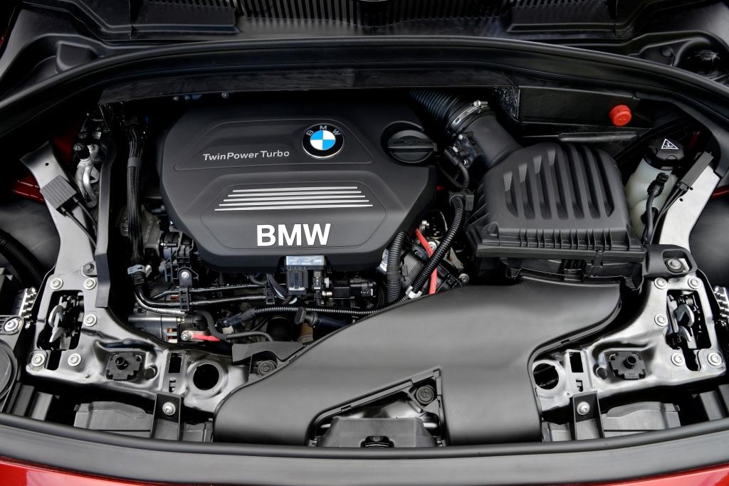 Den to-liters turbodieselmaskine på 2 liter kender vi fra andre BMWer, den er bare monteret på tværs og forbundet med forhjulene i 218d Active Tourer. Foto-PR