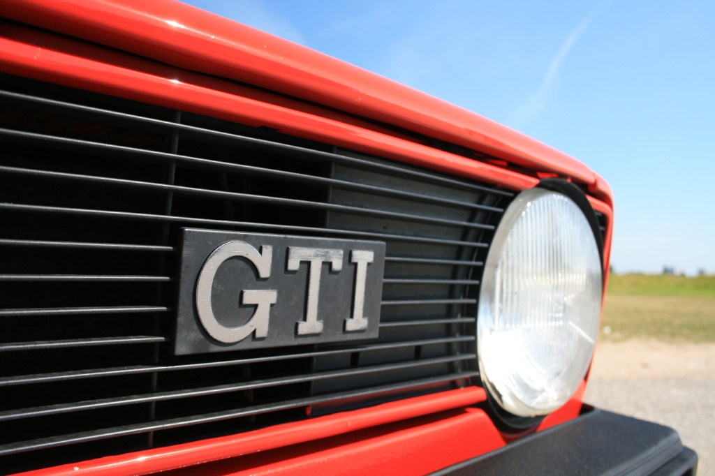 Et efterhånden tidløst tegn på sjov kombineret med praktisk anvendelighed - en Golf GTI.