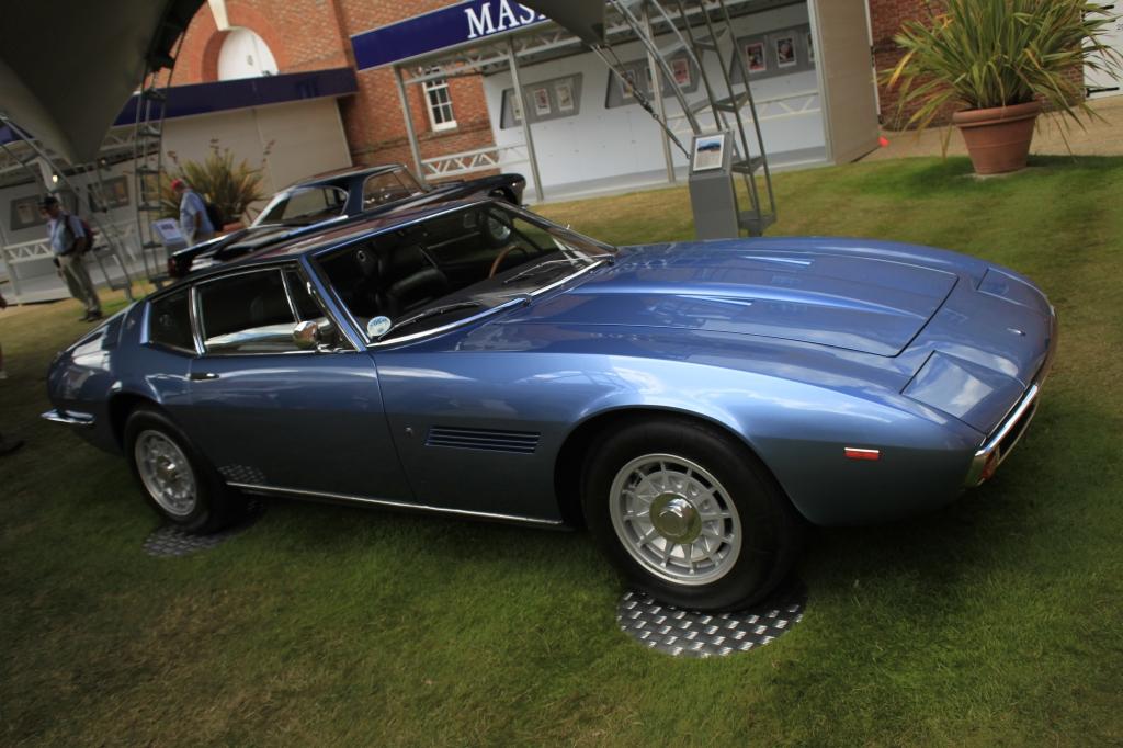 Maserati fejrede deres 100 års fødselsdag på Goodwood, med en omfattende udstilling. Her er det en Ghibli fra 1966.