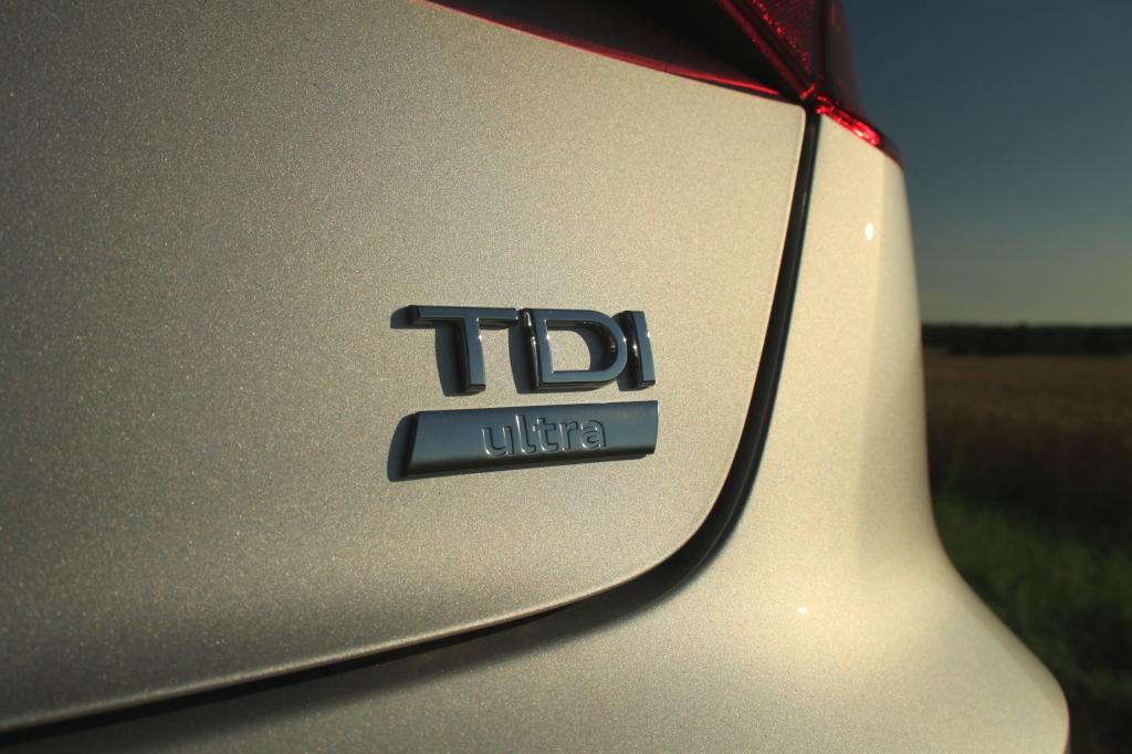 Det lille skilt med Ultra betyder, at denne Audi kører ekstra langt på literen.