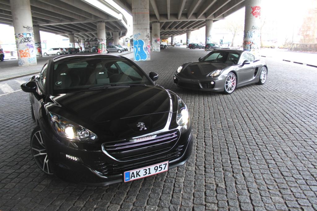Den koster 300.000 kr. mindre den hardcore Peugeot, men på nøgletallene og præstationer, matcher den aristokraten fra Sydtyskland, men hvilken en skal man vælge?
