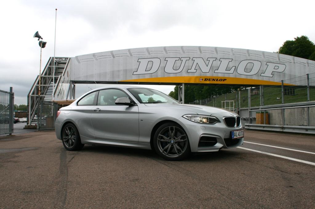 Kompakt, muskuløs og hurtig. M235i vinder på ærke-BMW-dyder.