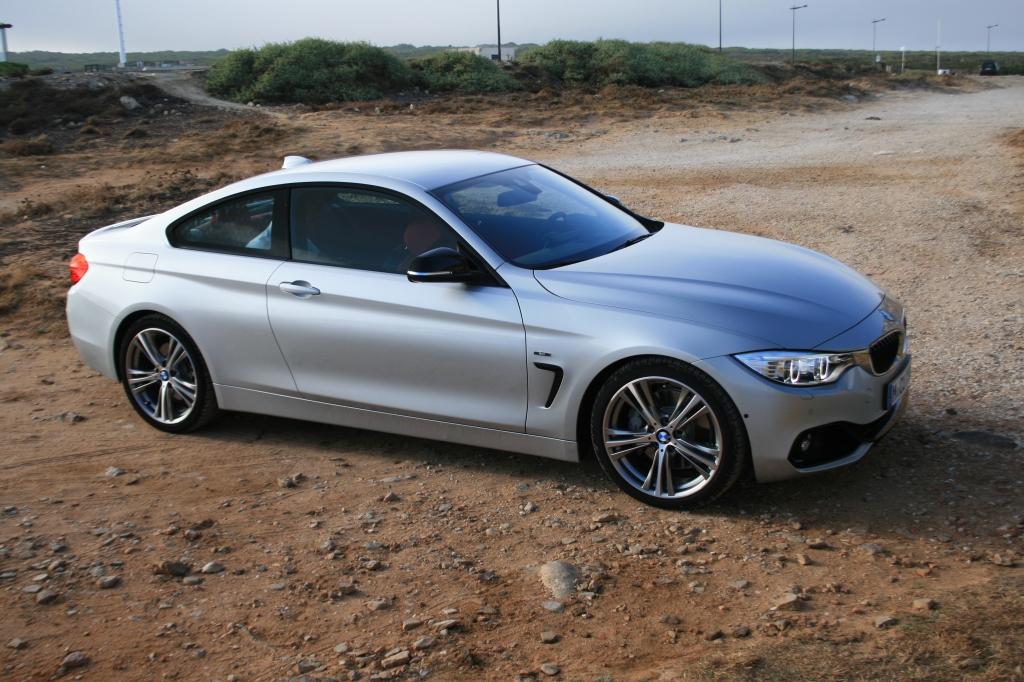 BMW 4-serie er tæt på at være den smukkeste nye coupe på markedet i 2014. Store døre, lang front og faldende taglinje bagtil - udført til UG! Men med 50.000 kr. på lommen, må jeg nok tage til takke med noget brugt - men det er samme idealer jeg jagter.