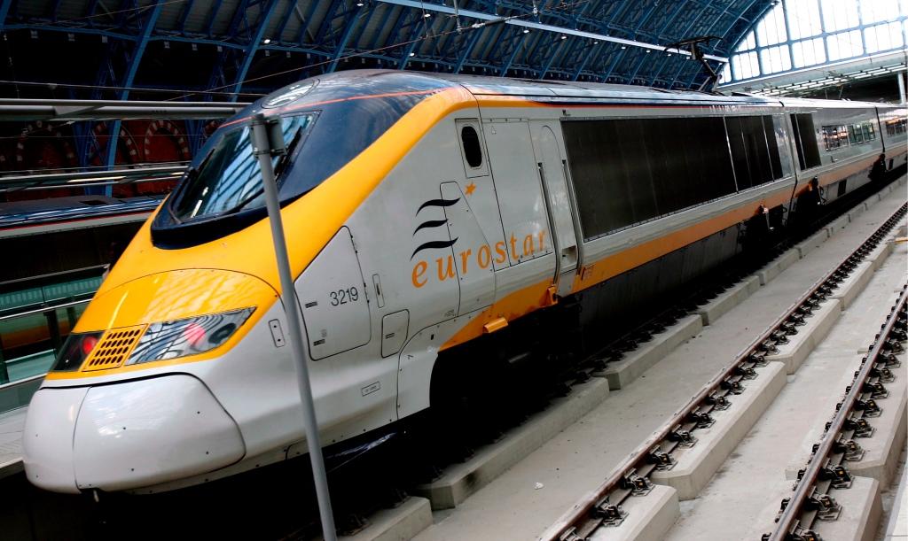 Klar til afgang fra London. Det går snapt når først toget lægger fra land.