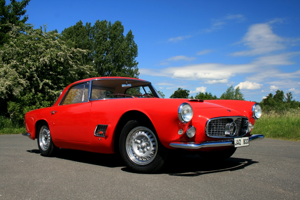 Den første rigtigt succesfulde Maserati GT var 3500GT, der blev lavet i over 2.000 enheder.