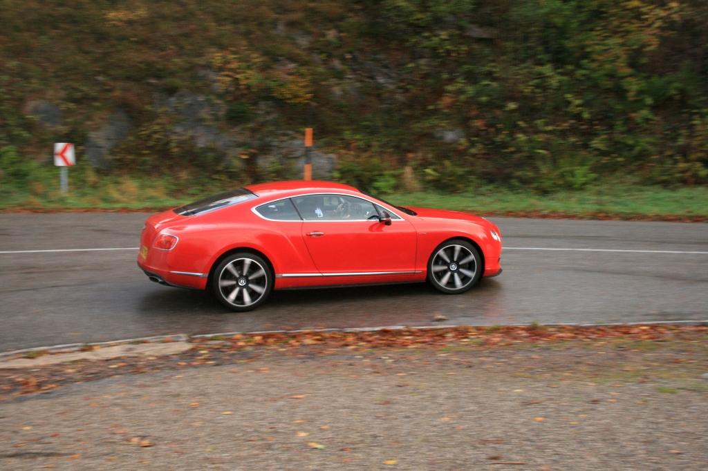 Så får den fuld carbonade op af de bløde kurer i Schauinsland i Sydtyskland. ca. 20 km perfekt vedligeholdt hill climb asfalt...