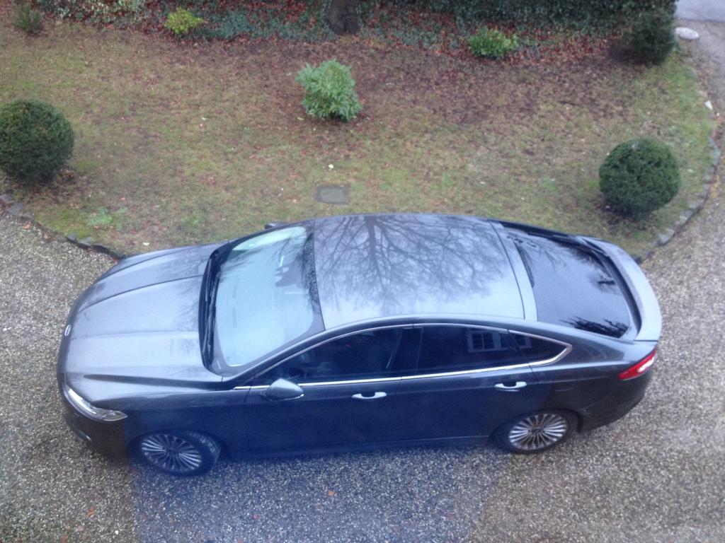 Testbilen er en hatchback. Mondeo leveres også som stationcar, men jeg er rimeligt forelsket i den elegante coupelignende hatch...