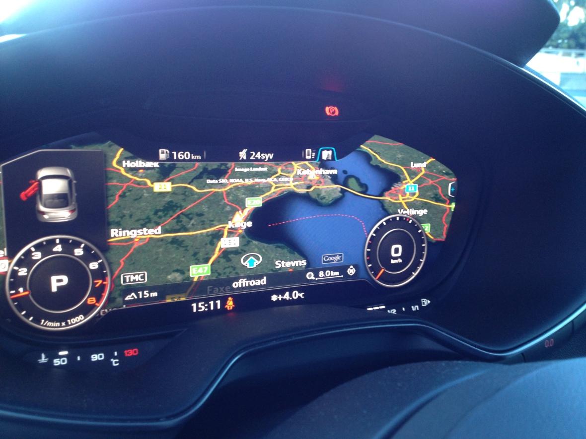 Suveræn opløsning og grafik kombineret med overlegen intuitiv brugerflade, gør Audi TTs digitalinstrumentering bag rattet, til noget af det bedste bilindustrien kan byde på i 2015. Hvis ikke det bedste!
