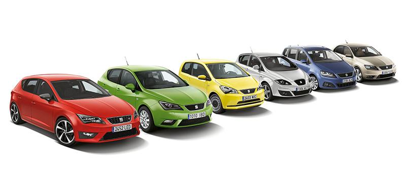 Seats modelprogram, som vi møder det i dag i en Seatbutik. Fra venstre: Seat Leon (lækker), Seat Ibiza (Fin men halvgammel), Seat Mii (har det svært mod VW Up), Seat Altea (sendt på pension), Seat Alhambra (dyr 7 personer MPV) og Seat Toledo (en nærig østeuropæisk discountbil der deler teknik med Skoda Rapid og ikke gør noget som helst godt for Seats ambitioner om at lave lækre og sportslige biler)