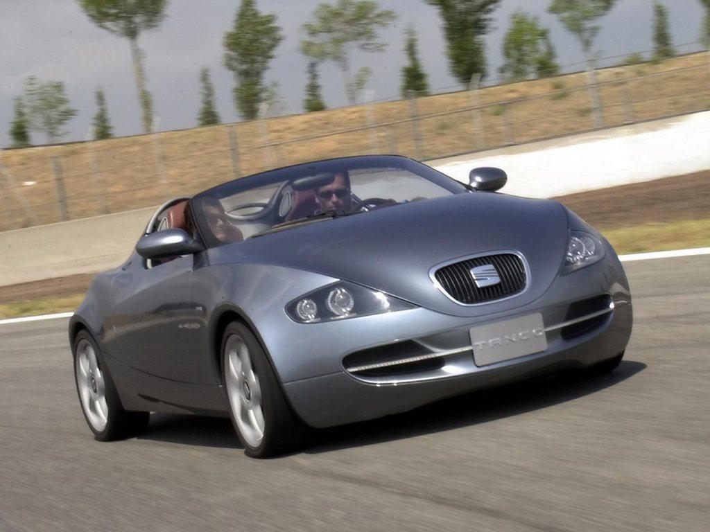 Konceptbilen Seat Tango satte spytkirtlerne i gang hos alle os, der med netop dette koncept, kunne se konturerne af Seat som et sexet sydeuropæisk alternativ til Alfa Romeo.