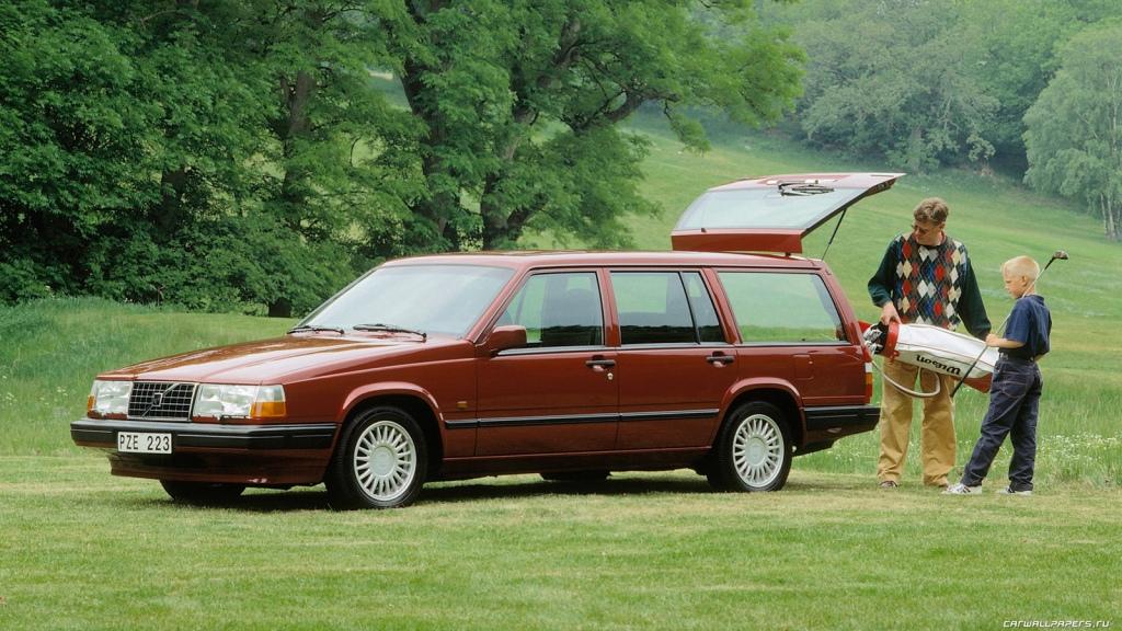 En klassisk Volvo Classic. En 940 stationcar. Gennemtestet teknik, stilrent skandinavisk design  og mere plads en i en mellemstor varevogn... (Modelfoto)
