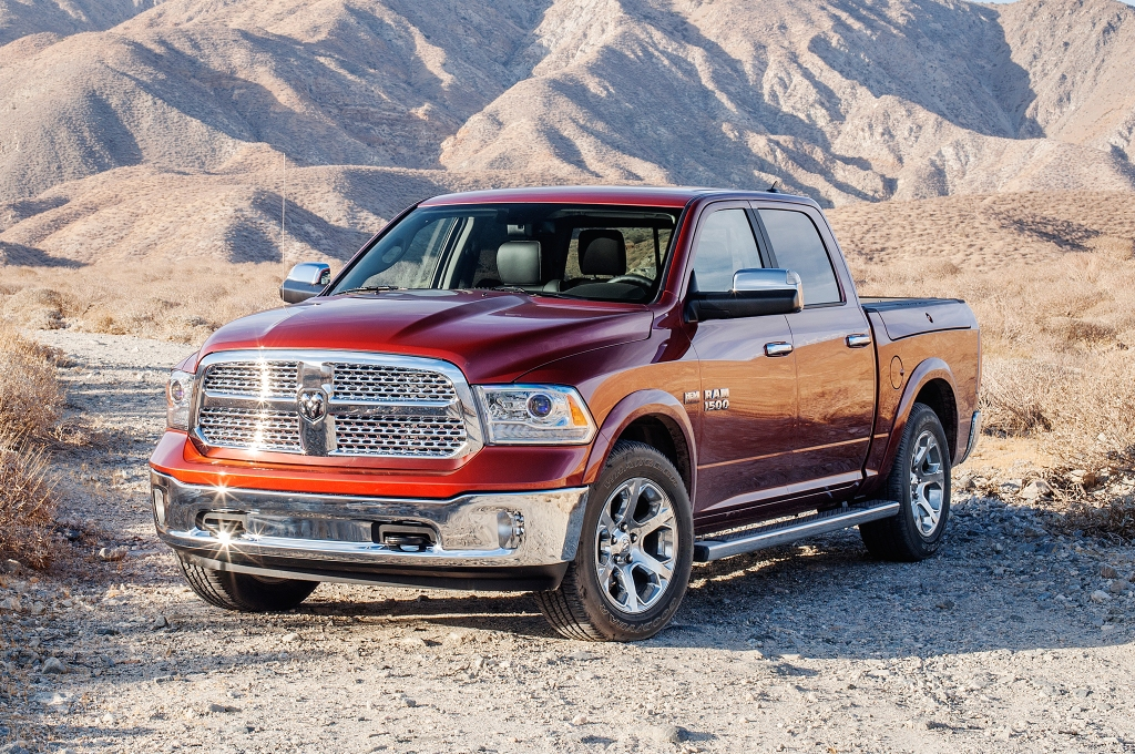 "Chryslergruppens bud på en pick-up header Ram og fås med både en ""lille"" V6 3,5 liters benzinmotor, en dieselmaskine og en V8 HEMI på 5,0 liter. (PR FOTO)"
