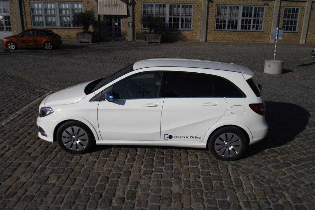 Mercedes første bud på en el-bil lader en del tilbage at ønske, og som det skal vise sig henover testen af de seks resterendebiler i denne el-bils-testserie, så klare de biler, der ikke oprindeligt er designet som el-biler sig dårligere end de tilpassede som B-Klassen.
