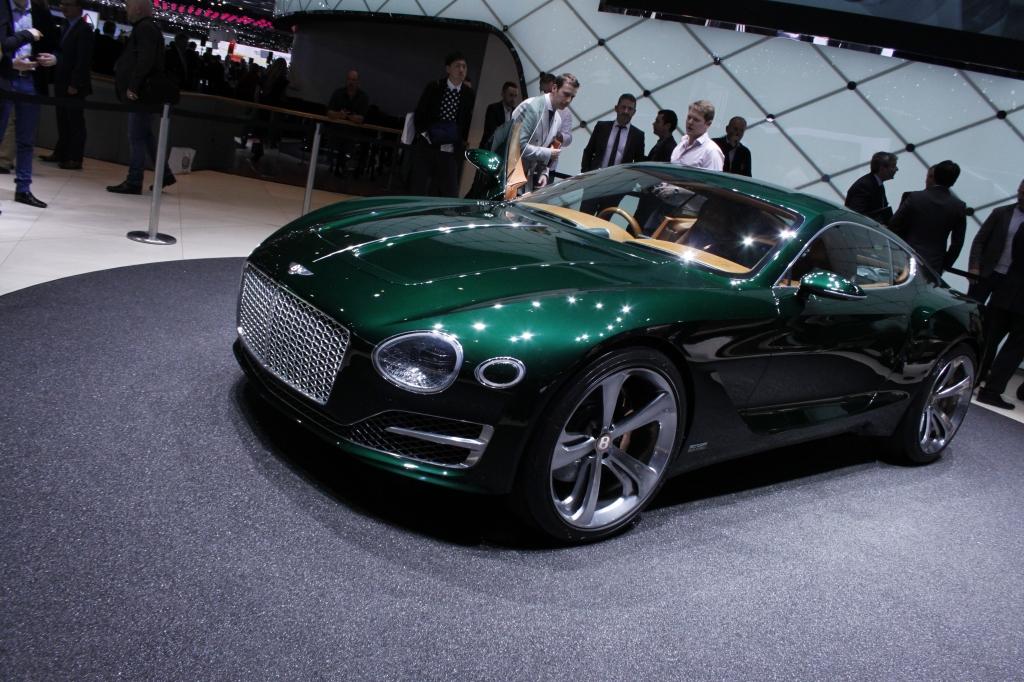 ÅRETS OVERRASKELSE: Bentleys konceptbil var ikke annonceret på forhånd, og den havde oceaner af konservativ attitude.