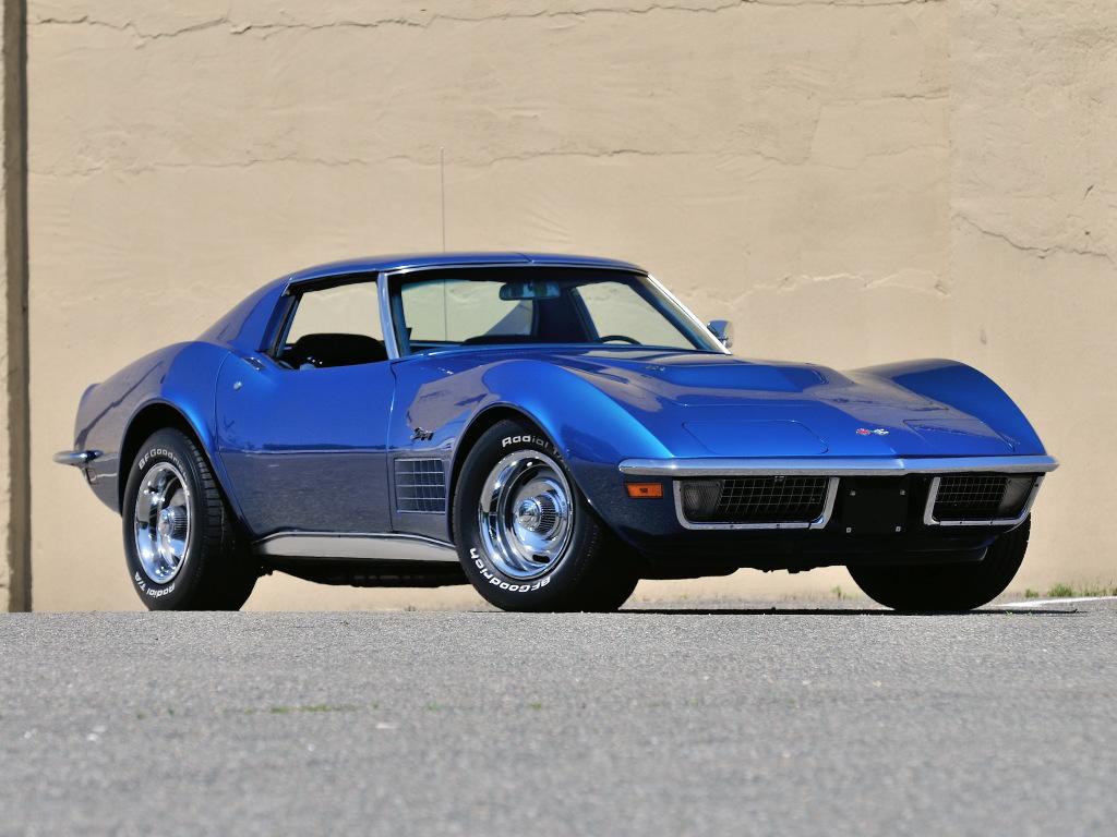 En Corvette C3 fra 1971 med mere kurvede linjer end Marilyn Monroe.