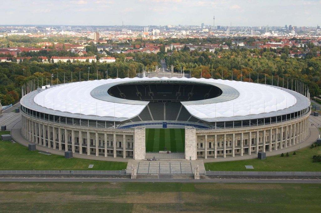 Det er her på det olympiske stadion i Berlin, at årets Champions League finale spilles. Det bliver med garanti en stor kamp!