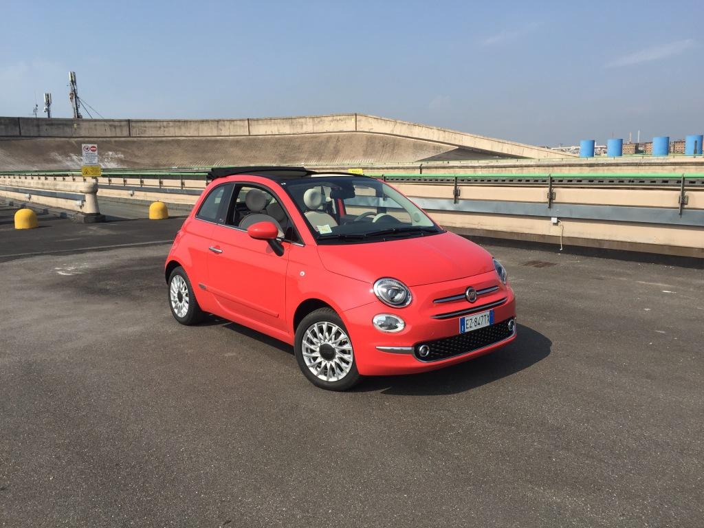 Sådan en Fiat 500 her, bliver stort set ikke billigere af afgiftsnedsættelsen.
