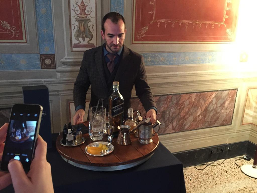 Cocktails på 1.600 kroners whiskey. What! Det synes næsten blasfemisk, men christ det smager smooth...