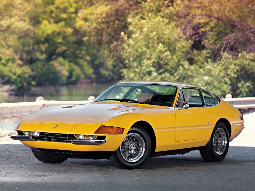 Få biler ser godt ud i gul, men jeg er tilbøjelig til at mene, at en Daytona står smukkest i en hidsig 70'er-gul nuance som her.