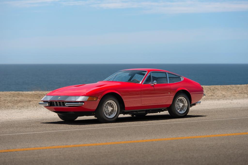 Daytona med typebetegnelsen 365 GTB er i min bog en de fedeste V12 sportsvogne Ferrari nogensinde har lavet. Tegnet af Pininfarina - naturligvis...