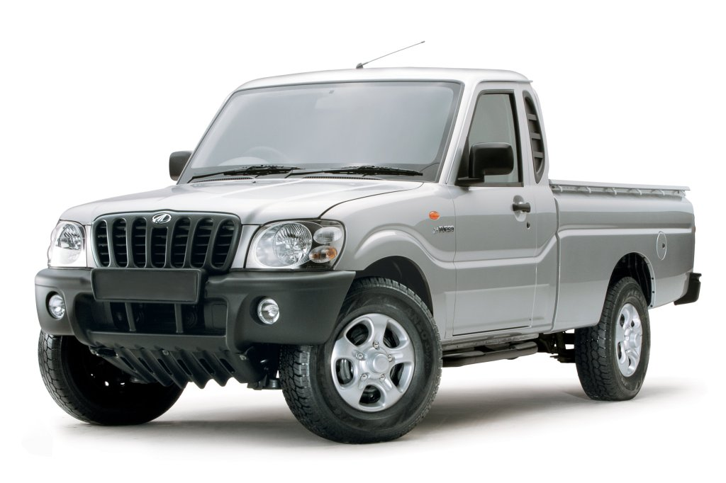 Mahindra Scorpio er basis for både en SUV og Pick-up, men den ligner en uhellig automobil udgave af Nigel Mansell, med et kølergitter der ligner moderen af alle overskæg. Høj, kluntet og overtegnet. Bvaddrrrr...