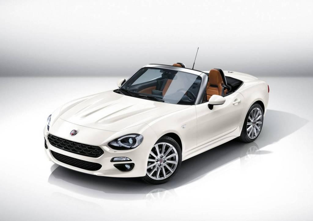 Baseret på Mazda MX-5 men med Fiats egen 1,4 liters turbomotor. Fiat 124 Spider bliver spændende!