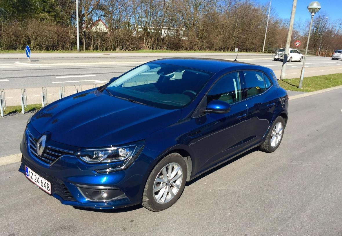 Den nye Renault Megane ser fremragende ud. Men brugeroplevelsen halter, og så bringer den absolut intet nyt med til fest i Golf-klassen.