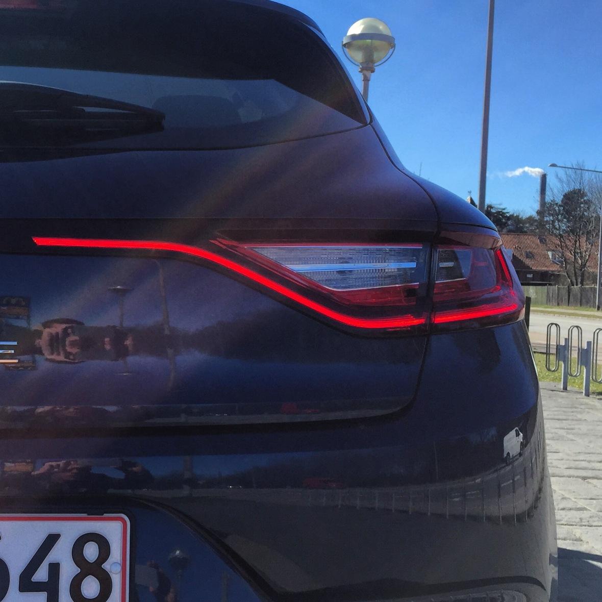 Renault Megane har klassens fedeste baglygter, og Renaults brug af LED-lygtebånd er genial.