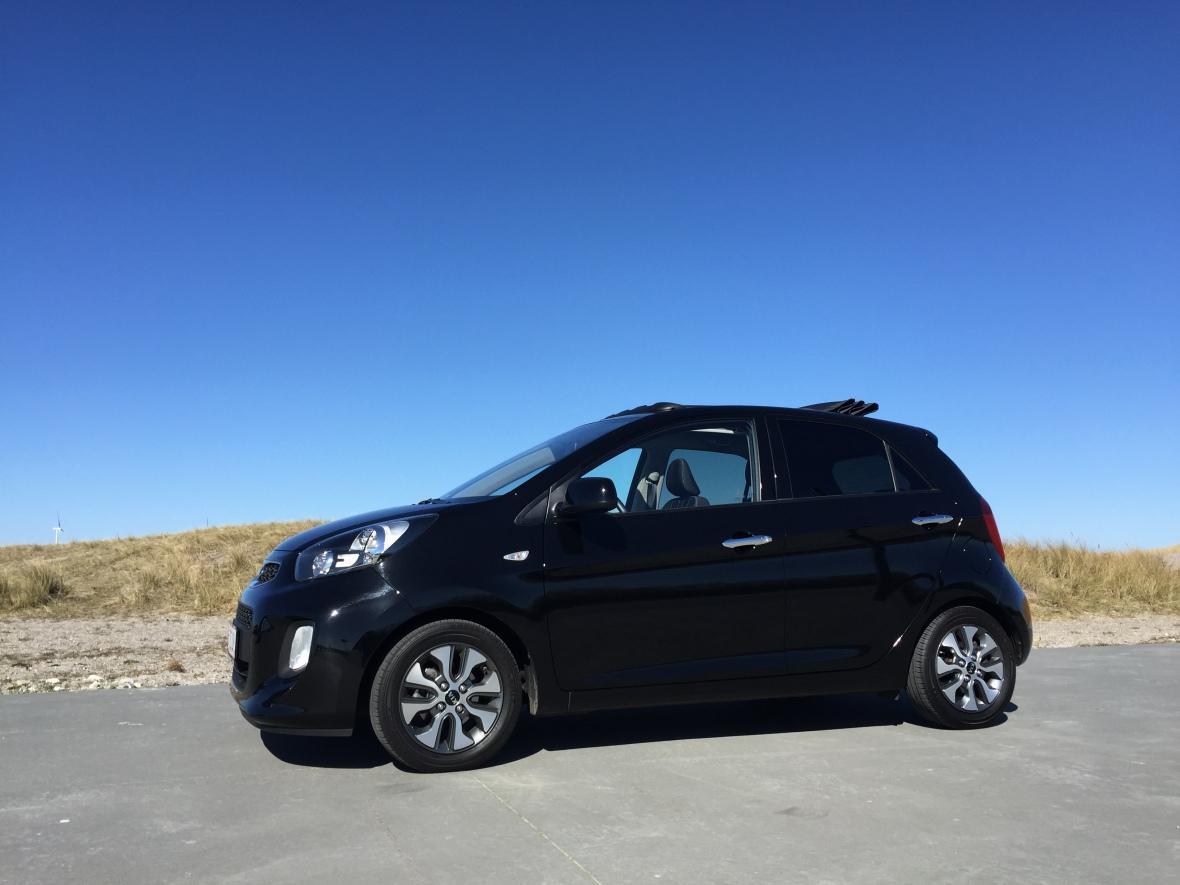 Måske Kia Picanto ikke er en rigtig cabriolet, men den har åben top og er vores figenblad for at snakke om cabrioleter.