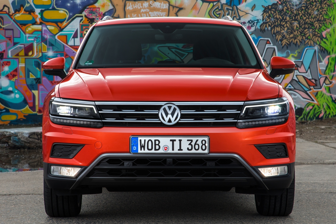 Ny Volkswagen Tiguan er tæt på preusser-perfekt, og kun en lidt hård kabineplast og velvoksen pris, taler imod den fine tysker.