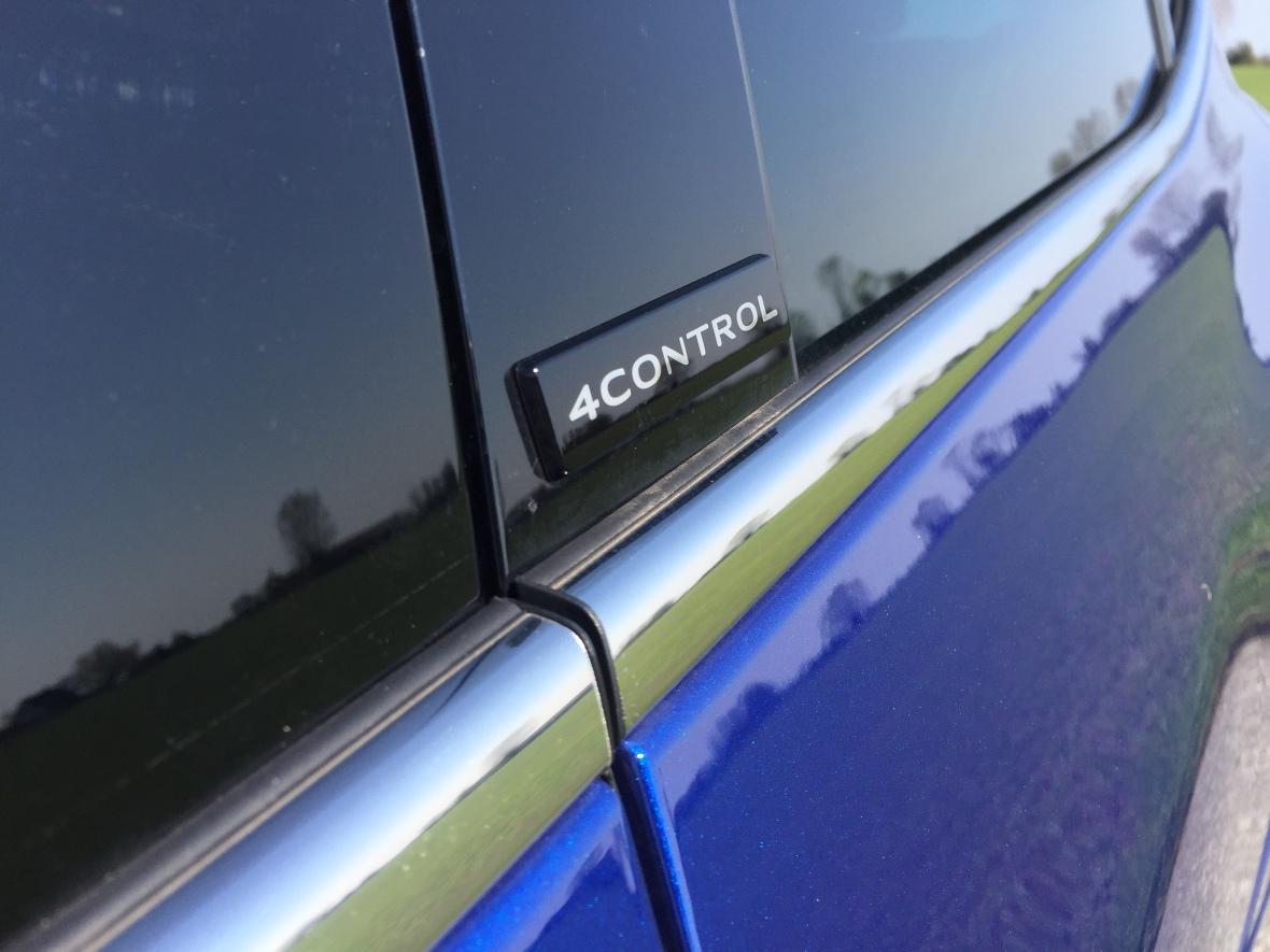 Renault Megane GT har 4control - der er Renault'sk for firehjulsstyring.