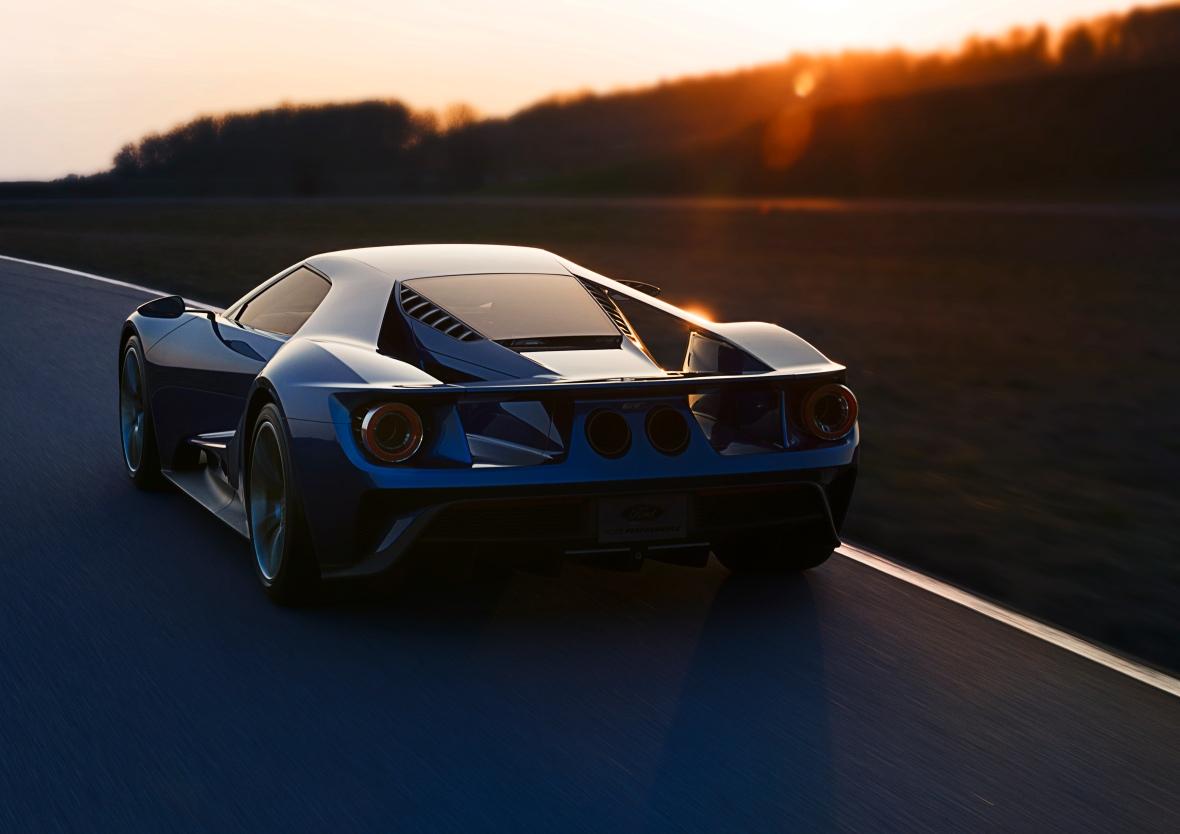 Det er tydeligt at se, at aerodynamik var et af de helt centrale indsatsområder, da Ford GT blev udviklet. Her er det gadeversionen, der kommer i produktion sidst på året.