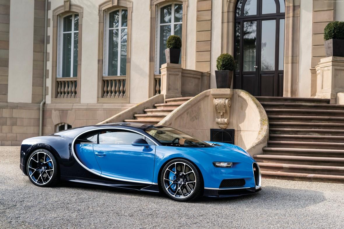 Bugatti genindtager hyperbilsklassen med Chiron, der er endnu vildere end Vayron var.