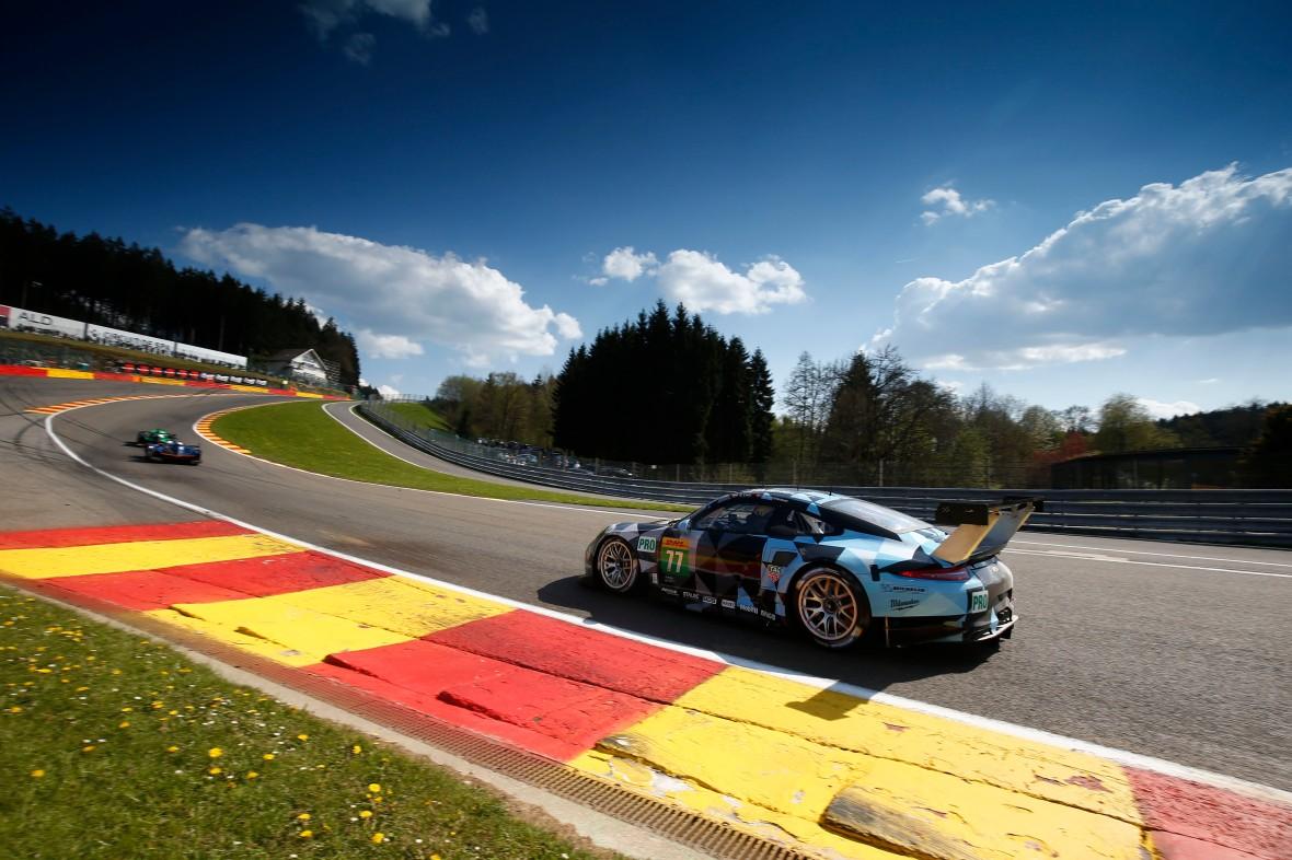 Porsche 911 RSR (77), Dempsey Proton Racing : Bilen danske Michael Christensen sidder i.