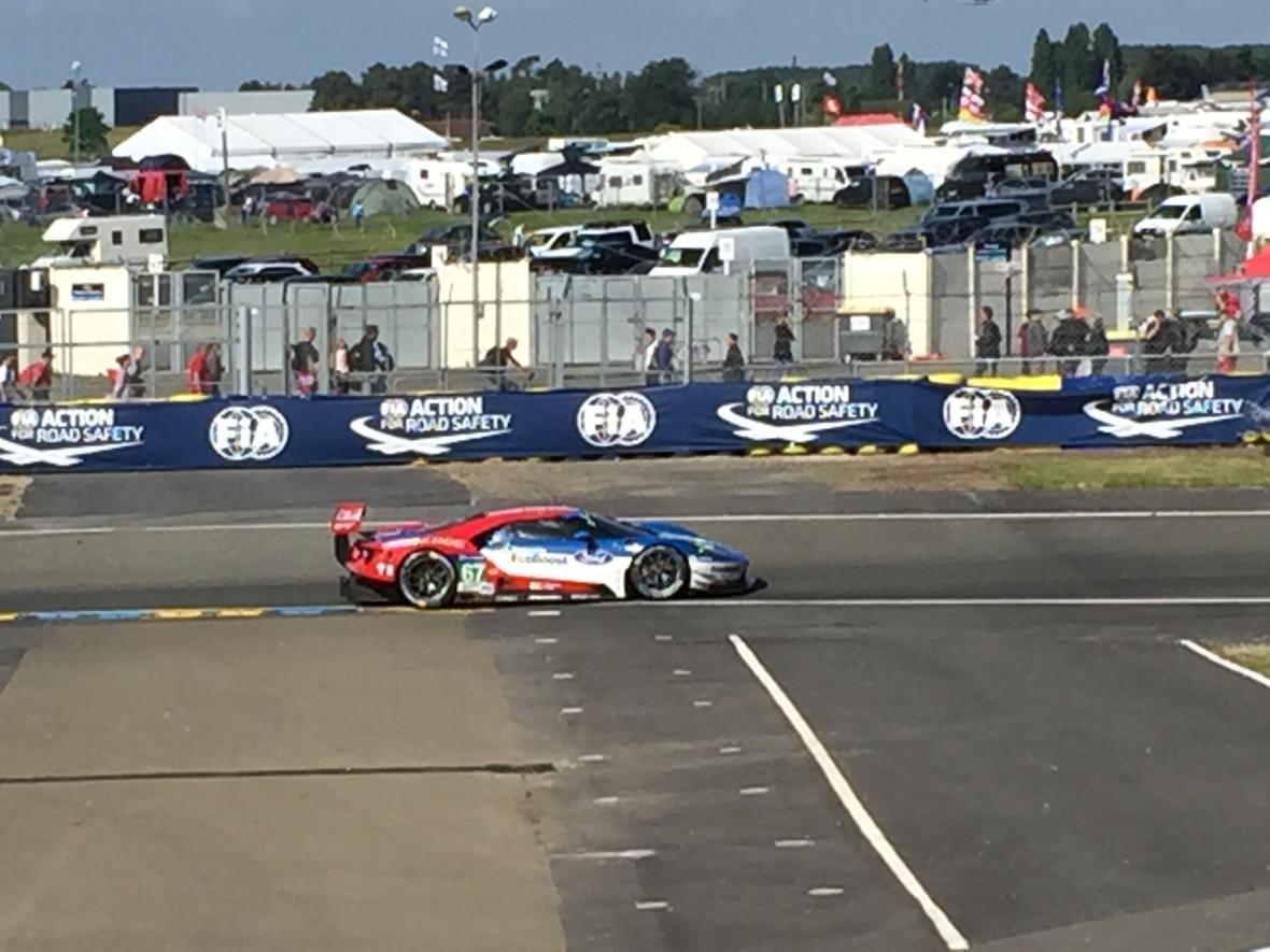 Ford GT med #67 har haft et miserabelt Le Mans - ærgerligt, da de var blandt mine favoritter.