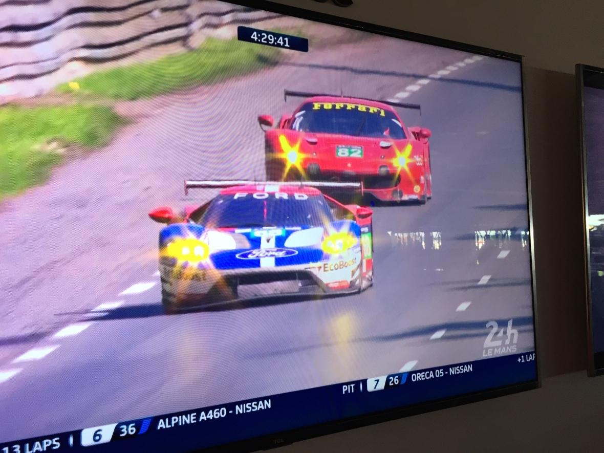 Kampen om 1. pladsen i både LMP1 og GTE Pro er uhyggelig tæt. Tak for et godt race!