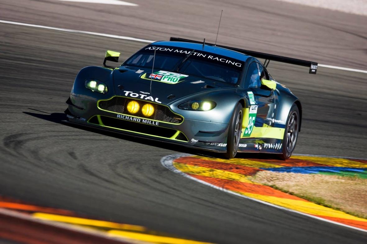 Aston Martin Vantage med danske Nicki Thiim og Marco Sørensen ved roret.