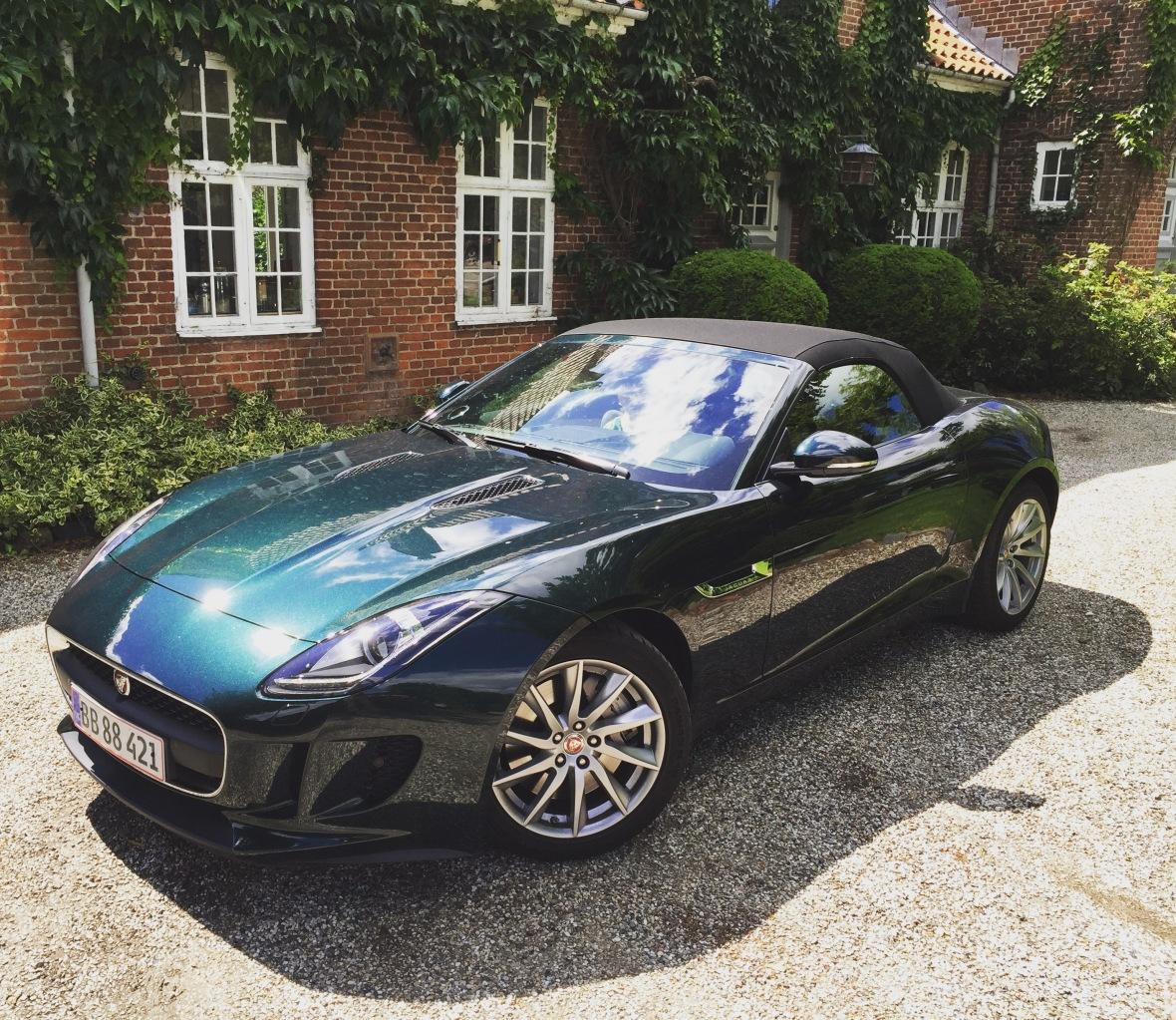 Den ser godt ud i British Racinggreen den gode F-Type, og faktisk er det heller ikke helt tosset med 18 tommer fælge.