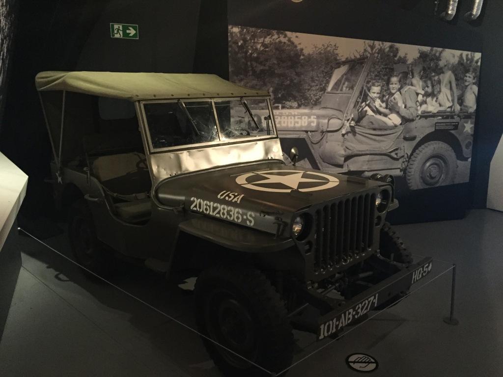 Jeg blev produceret i smŒ 640.000 eksemklare i løbet af Anden Verdenskrig. De fleste af Willys mens Ford licensproducerede resten.
