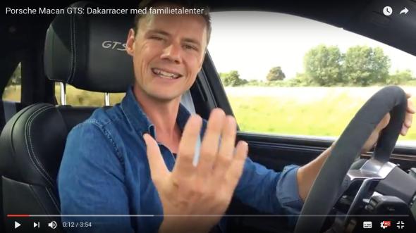 Sådan ser det ud, når jeg på min youtubekanal giver dig min mening – råt for usødet. Her i en Porsche Macan GTS.