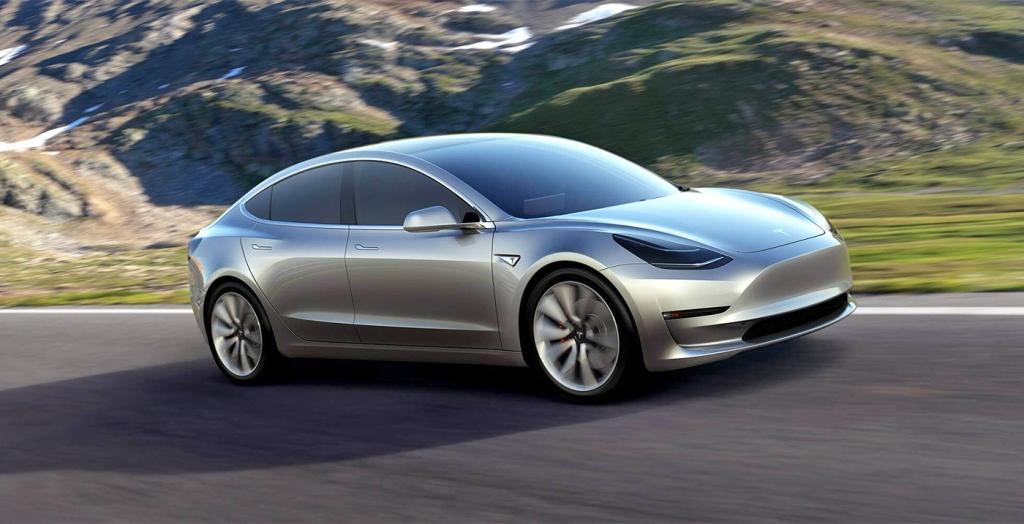 Model 3 er udråbt til volumenmodellen, men hvordan Tesla vil tackle opgaven med at skulle konkurrerer med BMW, Mercedes og Volkswagen, bliver mere end spændede og givetvis deres endeligt som bilproducent.